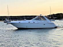 2001 Cruisers Yachts 4270 Express
