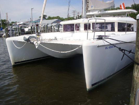 Lagoon 420 Owners Version - main image