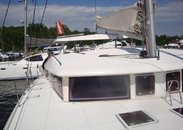 Lagoon 420 Owners Version image