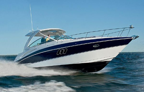 2018 Cruisers Yachts 38 Express