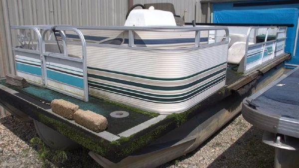 Starcraft 20' Work Boat