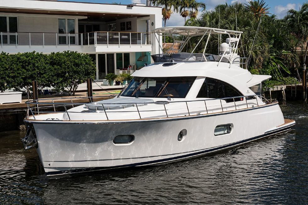 2016 Riviera Belize 54 Daybridge