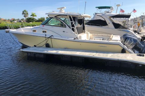 2009 Pursuit 375 Offshore
