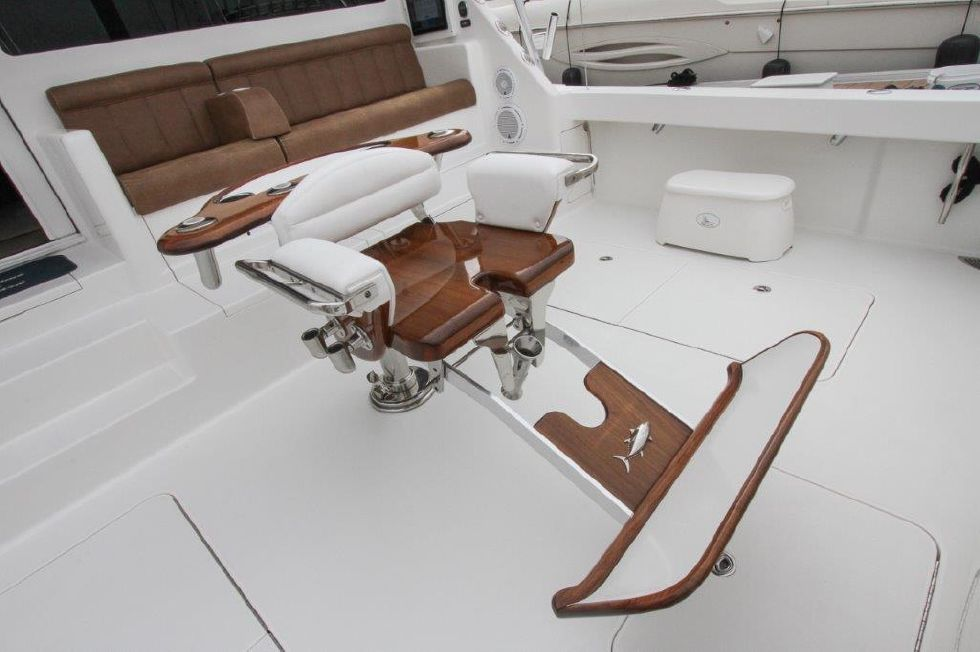 2010 Viking 60 Convertible - Cockpit / Fishing Equipment 6 - Fighting Chair