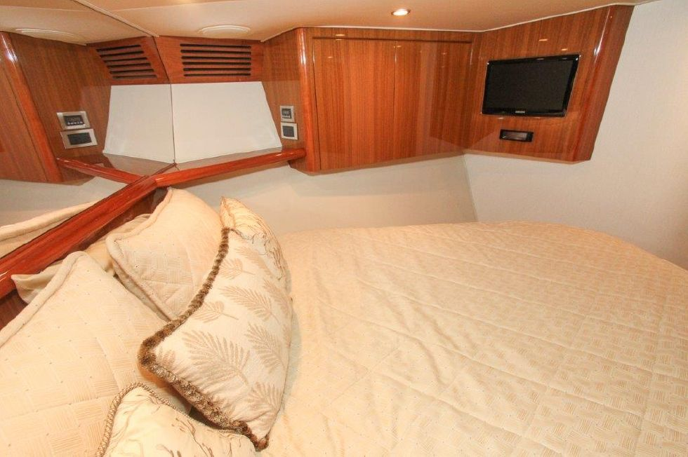 2010 Viking 60 Convertible - Guest Stateroom, Forward 2