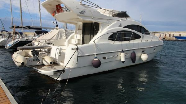Azimut 42 FLY 3 CABS approved boat