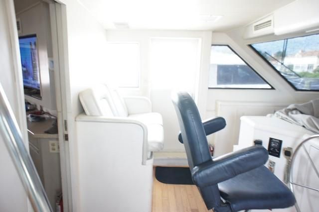 1990 Hatteras 54' Extended Deckhouse