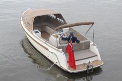 2022 Interboat Intender 820
