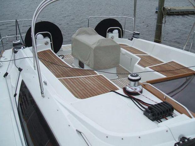 2013 Jeanneau BoatsalesListing Massachusetts