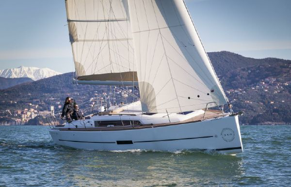 2018 Dufour 310 Grand Large