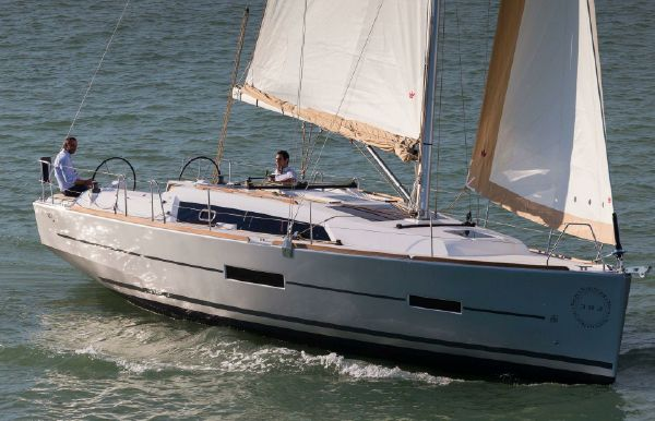 2018 Dufour 382 Grand Large