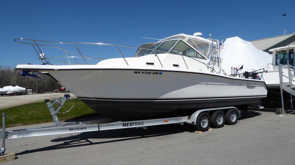 Pursuit 2855 Express Fisherman
