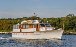 1973 Trumpy Houseboat