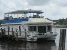 1998 New Orleans Catamaran House Boat