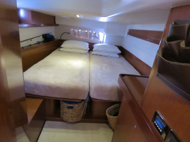 2012 Beneteau Brokerage Buy