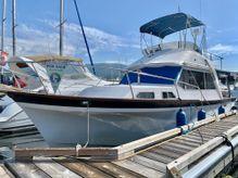 1983 Custom 32 Sedan Trawler