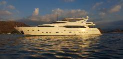 2005 Ferretti Yachts Customline 112