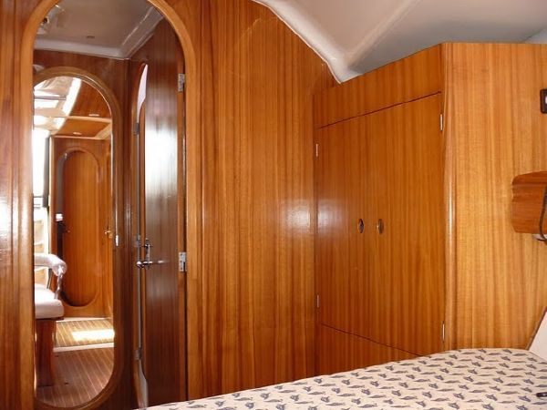 Fwd Owners stateroom hanging locker