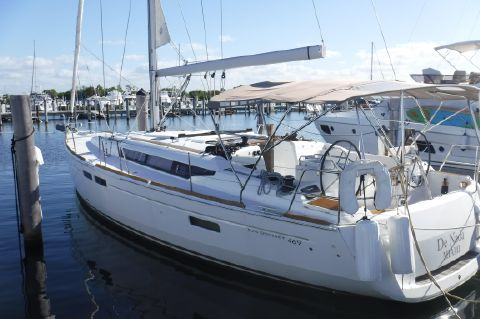 2015 Jeanneau 469 - At dock