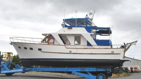 DeFever Europa Tri Cabin Trawler