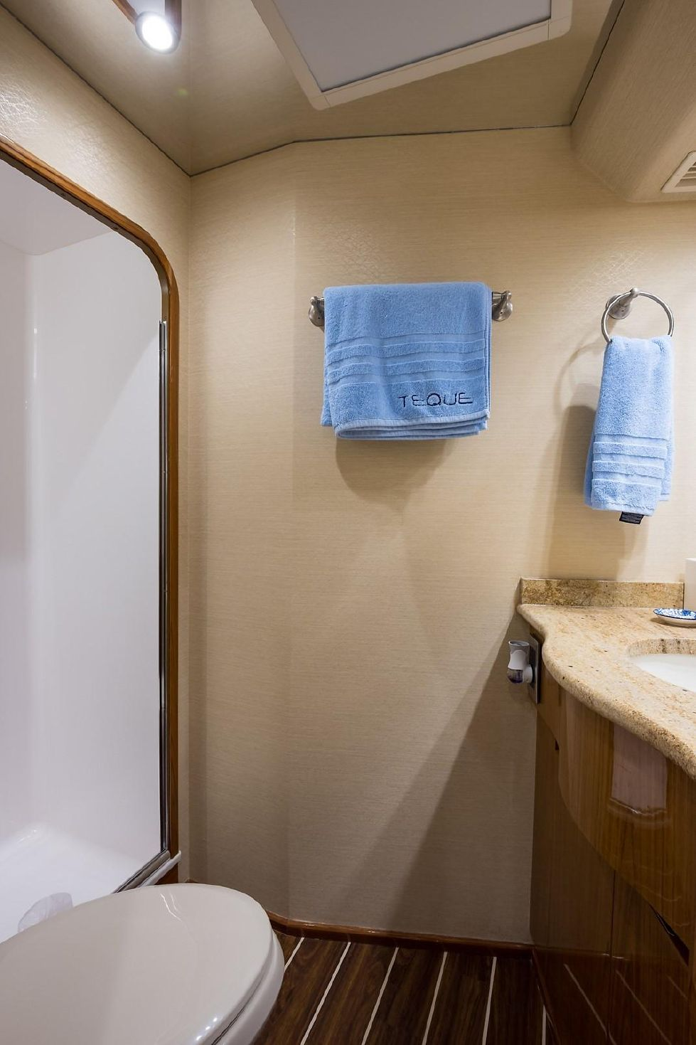 2013 Viking Enclosed - Starboard Guest Head