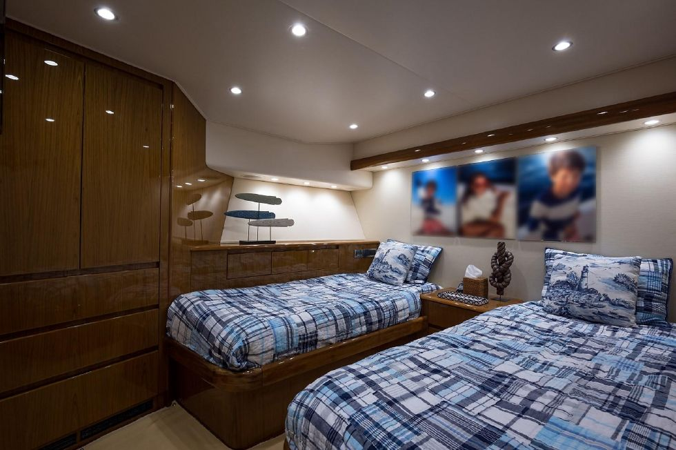 2013 Viking Enclosed - Starboard Guest Stateroom