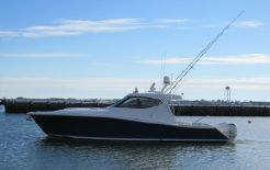 2013 Jupiter 41 Sport Bridge w/ SEAKEEPER