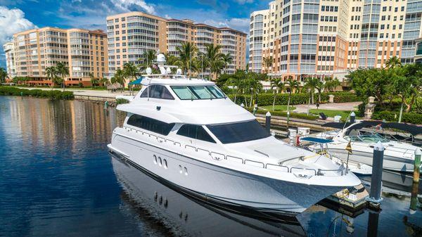 Hatteras 72 Motor Yacht Starboad Profile 2