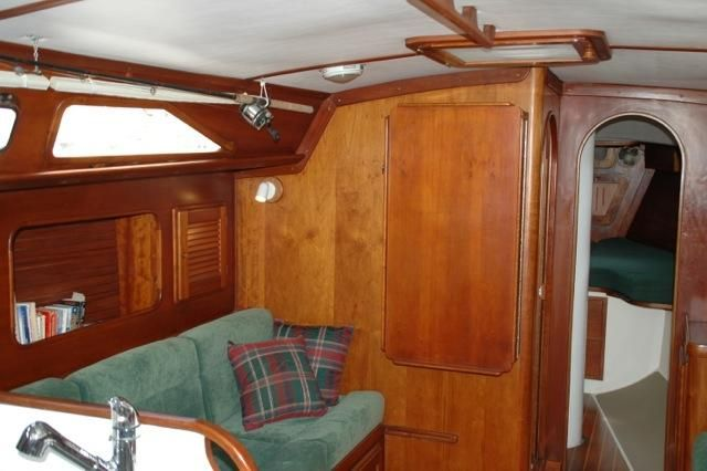 1992 Freedom 38 Sloop - Dinette Table Up