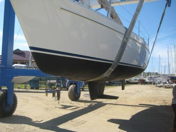 1992 Freedom 38 Sloop - Haul Out