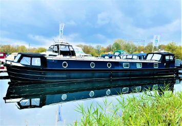 2020 Wide Beam Narrowboat Colecraft 66x10 04  2 Bedroom