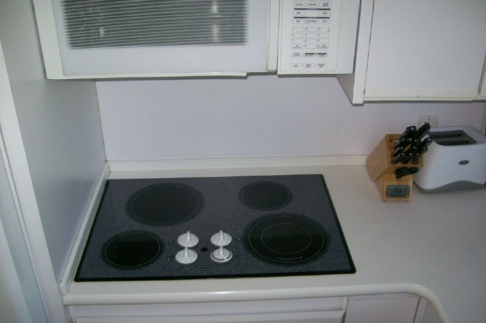 Flat Top Convection Oven Under Microwave Over