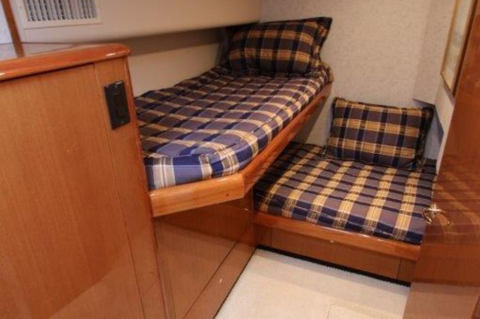 2004 Viking 56 Convertible - Guest Stateroom 1