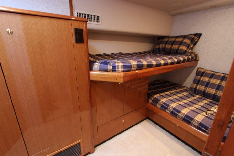2004 Viking 56 Convertible - Guest Stateroom 2