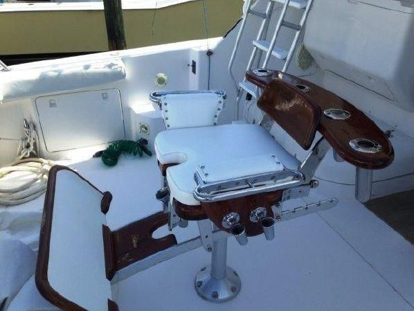 1997 Bertram 36 Convertible - Release chair