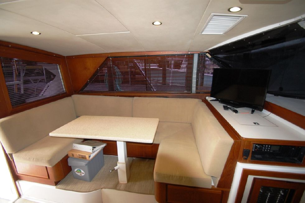 1997 Bertram 36 Convertible - Dinette