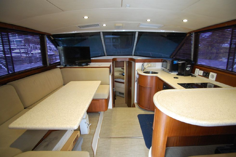 1997 Bertram 36 Convertible - Salon Forward