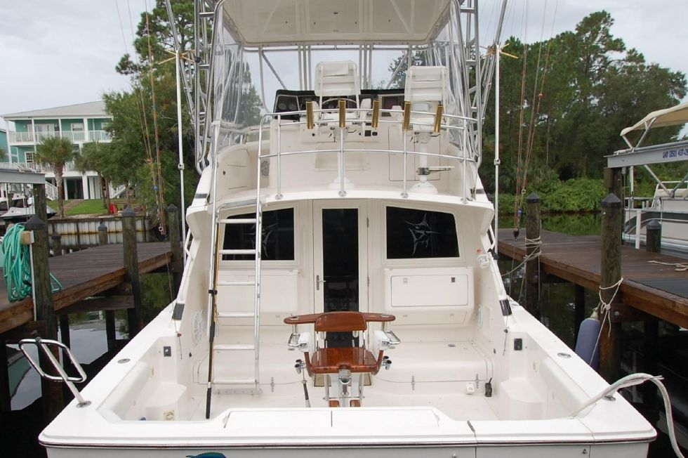1997 Bertram 36 Convertible - Stern