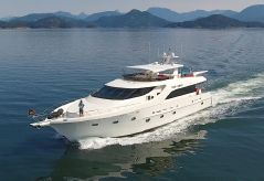 2001 Sovereign Pilothouse Motor Yacht