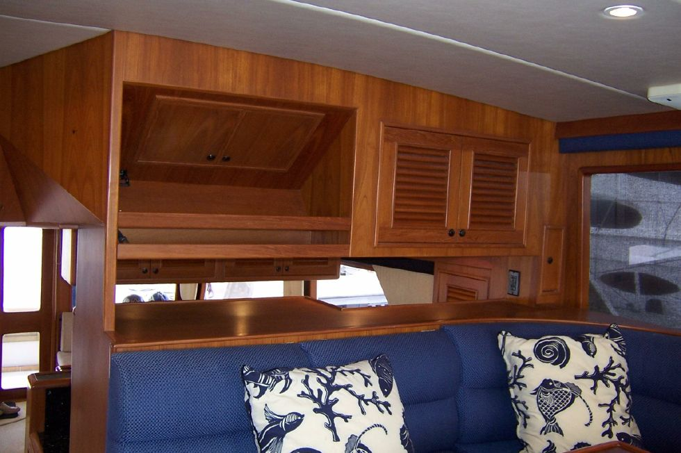 62 Offshore PH Pilothouse Storage