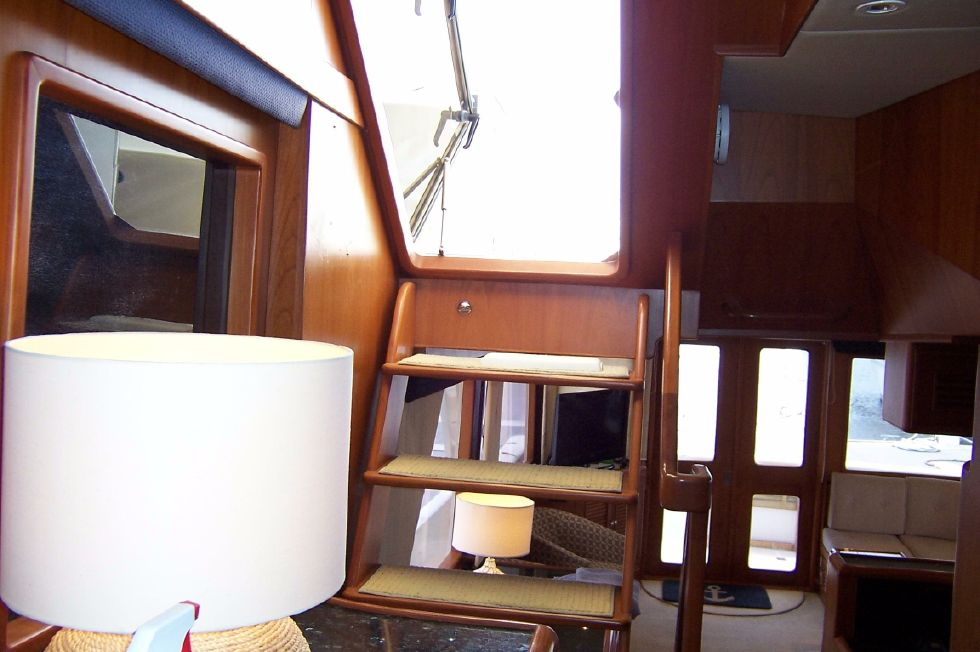 62 Offshore PH Pilothouse Stairway to Top Deck