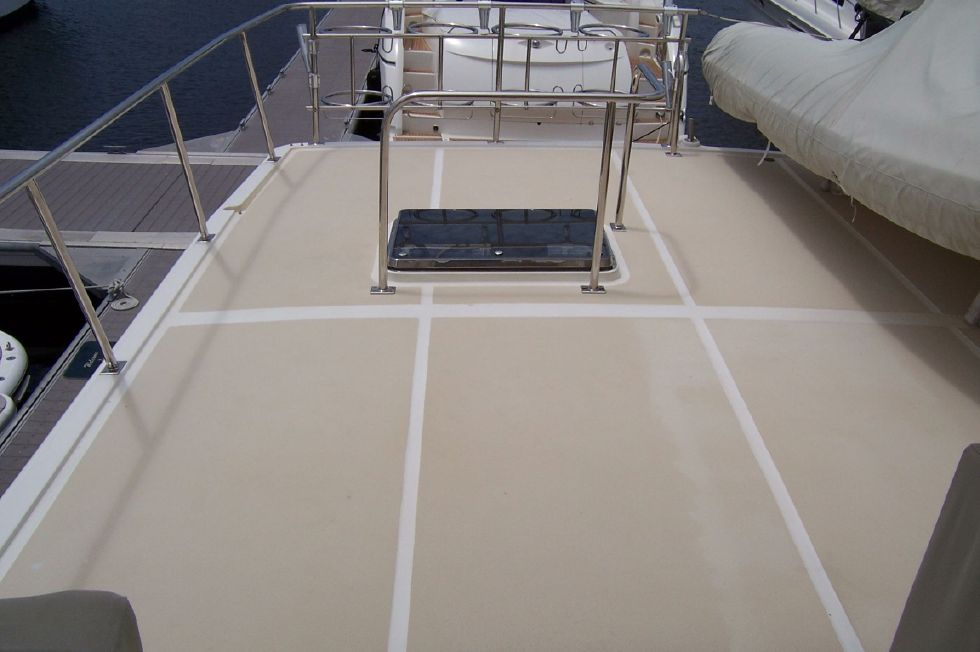 62 Offshore PH Top Deck