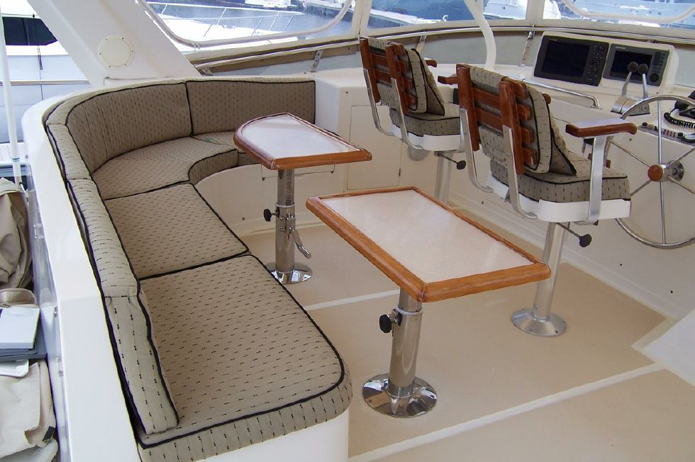 62 Offshore PH Upper Helm Seating