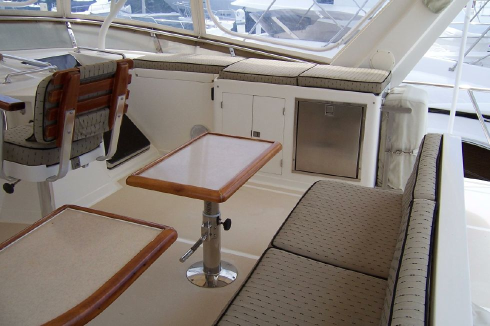 62 Offshore PH Upper Helm Seating 2