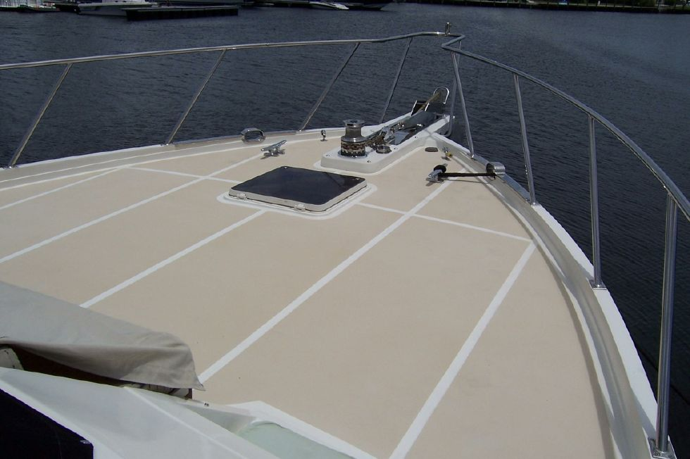 62 Offshore PH Bow Deck