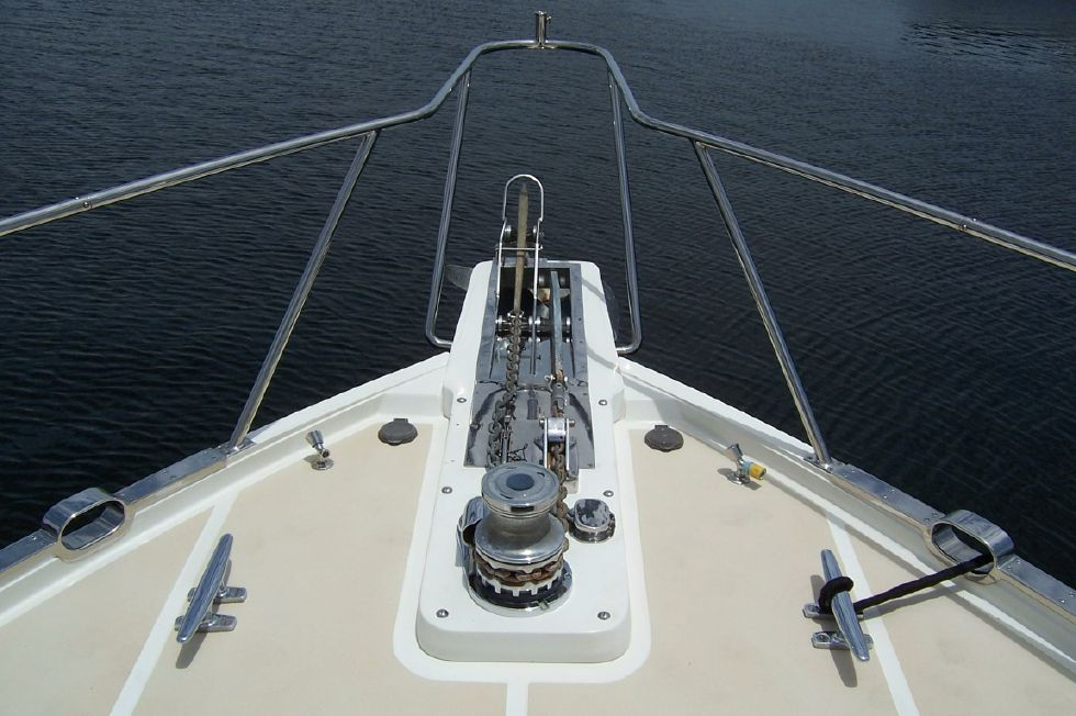 62 Offshore PH Windlass
