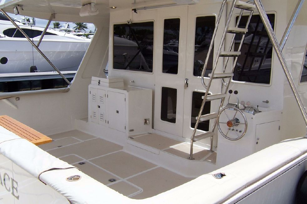 62 Offshore PH Aft Cockpit