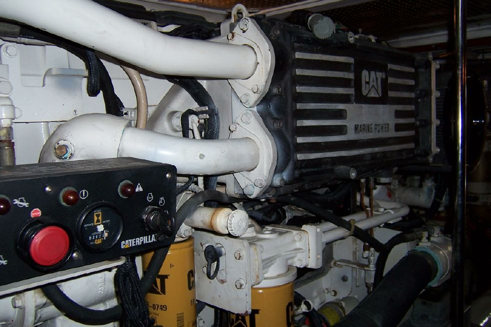 62 Offshore PH Stbd Engine