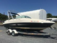 2007 Sea Ray 220 Sundeck