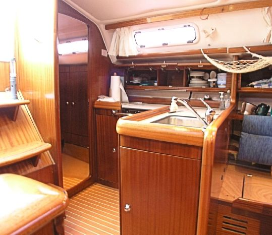 2005 Bavaria BoatsalesListing Brokerage